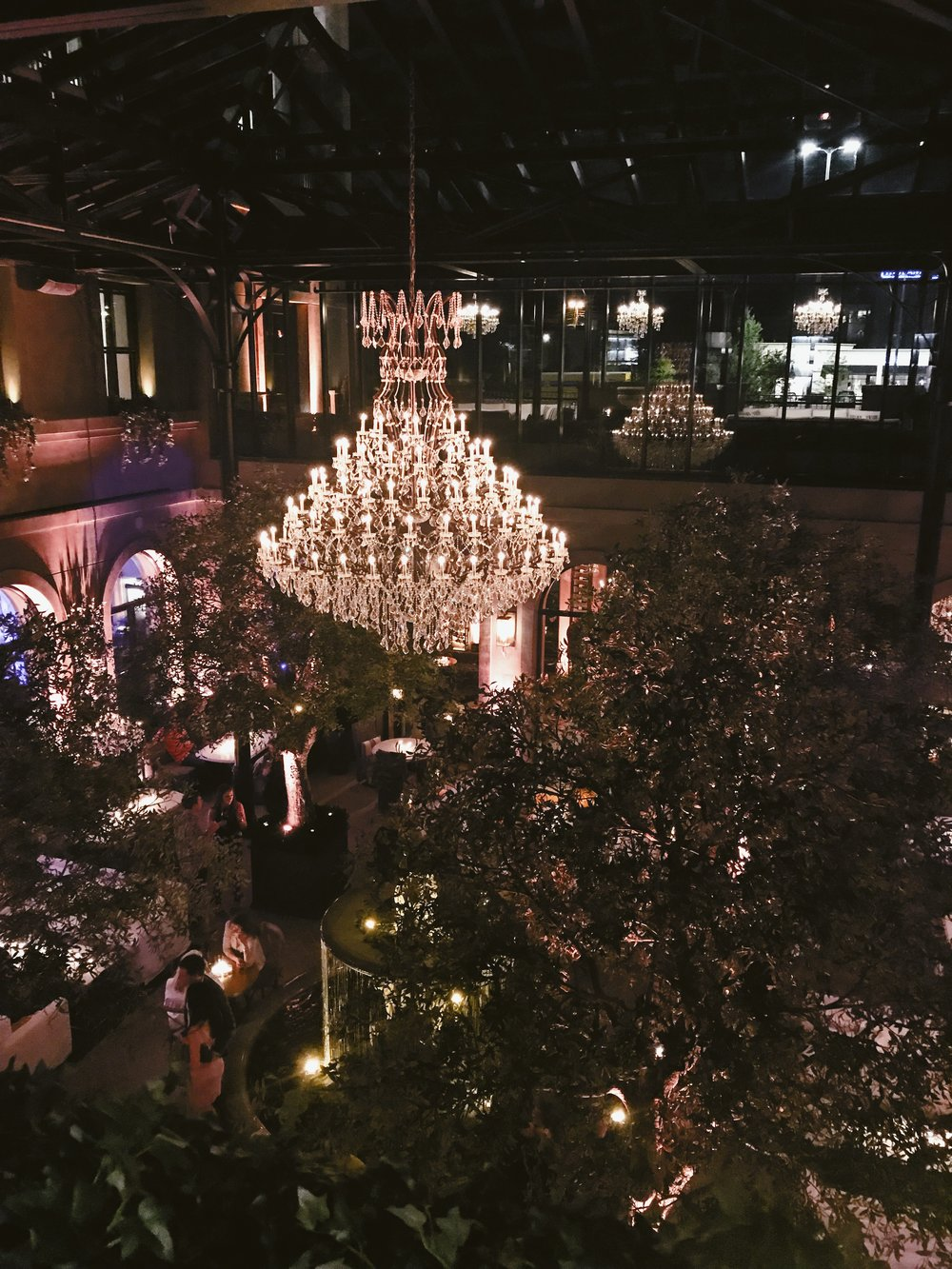 The view overlooking the Restoration Hardware restaurant is incredible--chandeliers, greenery, and fountains make this space feel much more LA / Vegas / NYC than Nashville. If you're looking for a new Nashville spot - this is it!