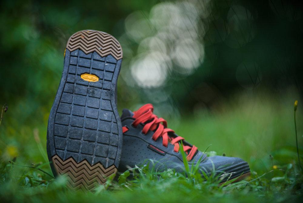 nmztbr_bontrager_flatline_shoe2.jpg