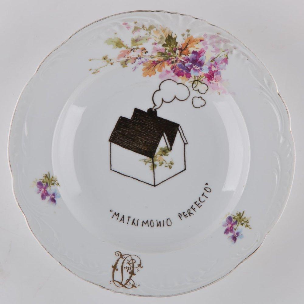 """""""Matrimonio perfecto""""   Esmalte sobre plato antiguo 25 cm diámetro. 2012"""