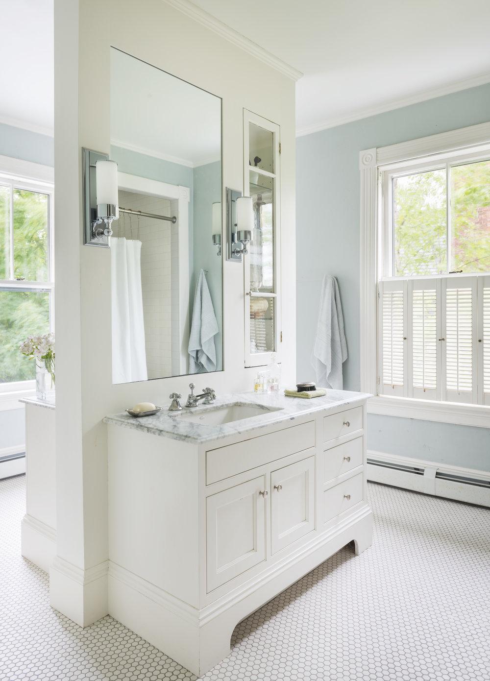Newport Traditional Bathroom