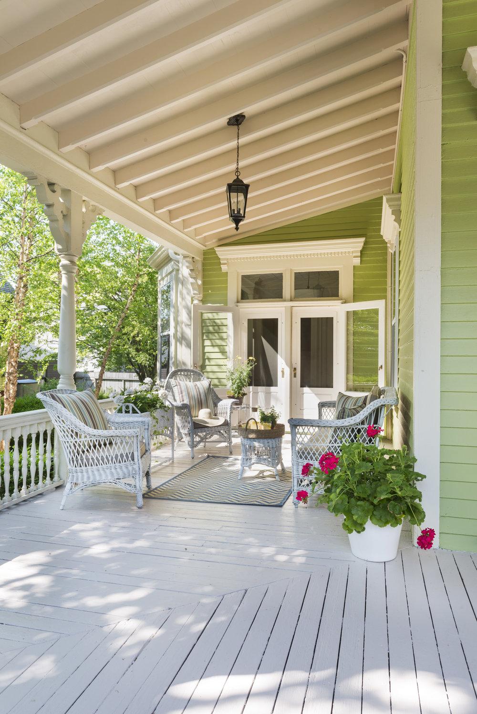 Newport Traditional Porch