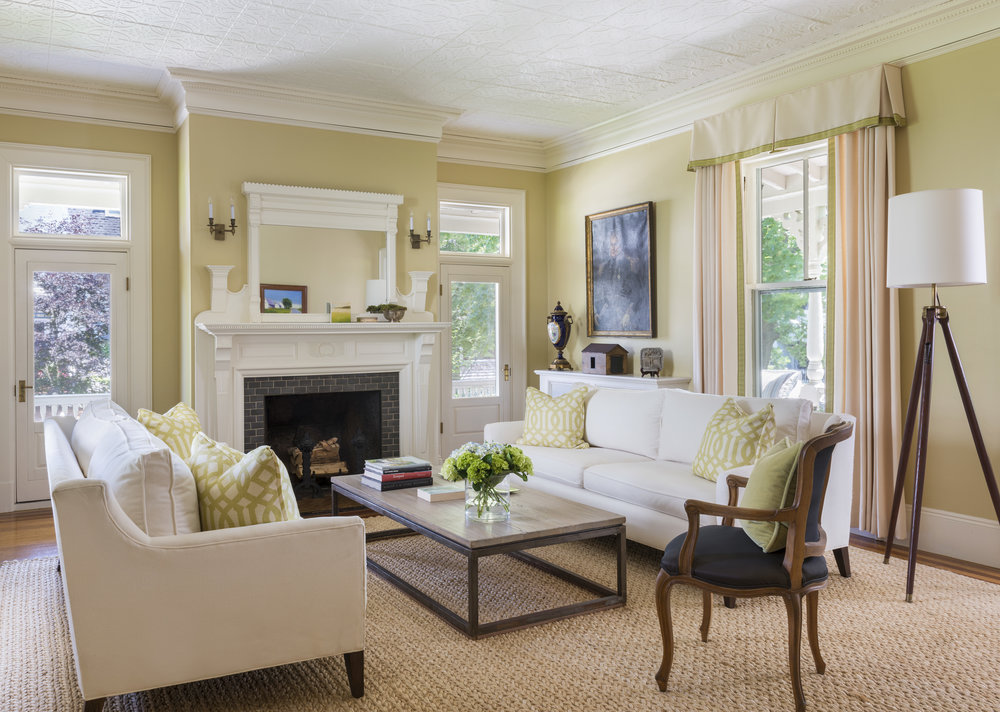 Newport Traditional Living Room
