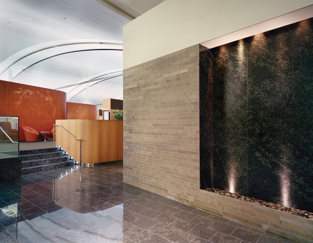 WEB-AC-Int'l-Maple-Leaf-Lounge-TPIA-01.jpg