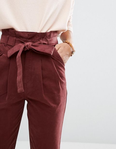 high-wasted pants -