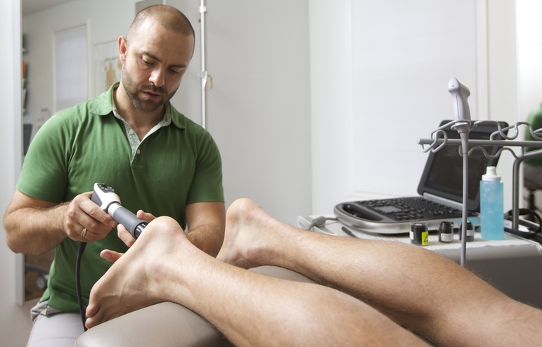 Using Shockwave Therapy to treat Plantar Fasciitis