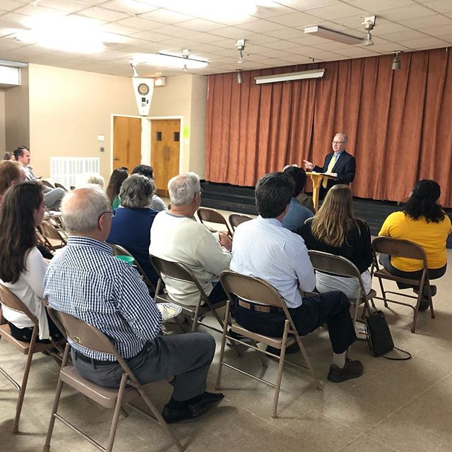 Great turnout at tonight's neighborhood meeting! Thanks to everyone who came out. And a big thanks to @mayordavidbriley for speaking and fielding questions from the people of Donelson Hills. Don't forget to donate to the Two Rivers Community Closet if you can! #donelsonhills #nashville #wearenashville #neighborhood