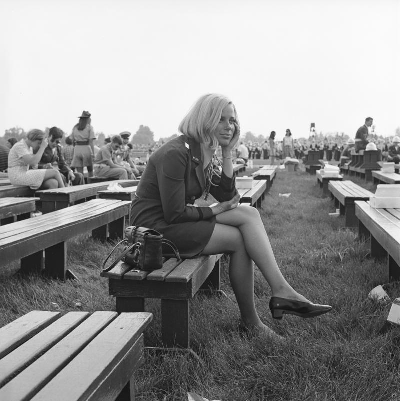 27_1969__Woman_on_bench.6ab960a5eda51fbf9e194cfc37039c34.jpg