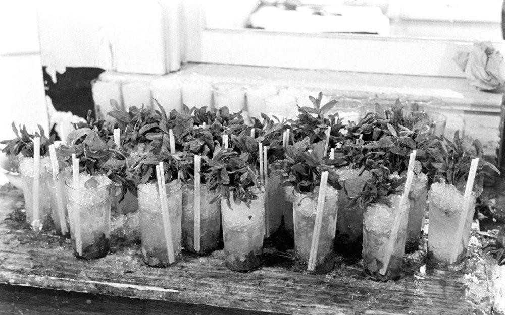 Mint-Juleps-Kentucky-Derby-1937-05-DERBYDOWNS0516.jpg