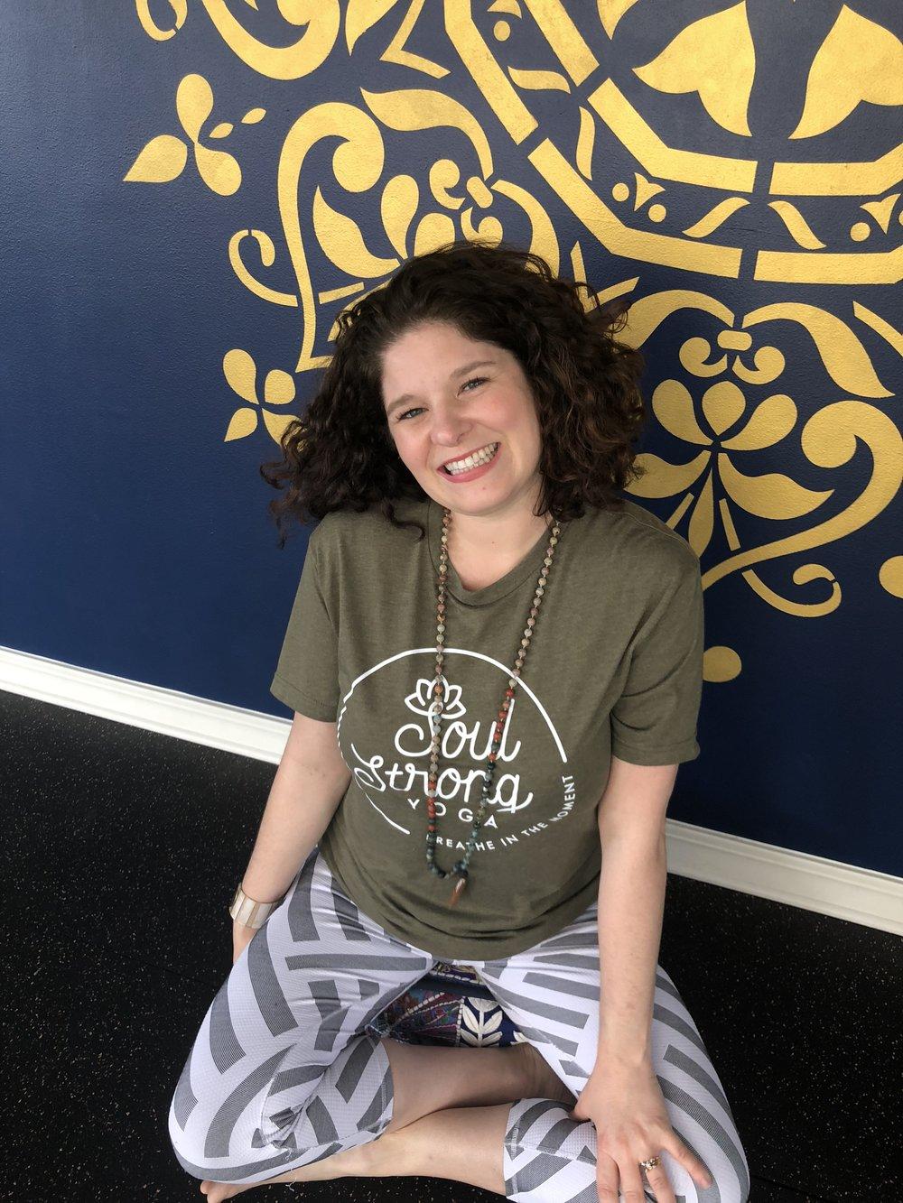 Beginners Series - Yoga for everyone! Beginners Series with Julie.
