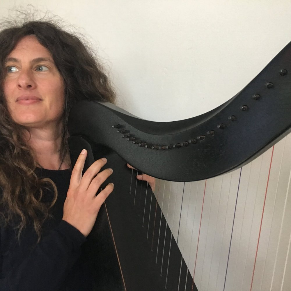 Tiff Norchick   Tiff is a musician and storyteller from London. She plays soothing music on her Celtic harp helping people to relax and feel lighter.