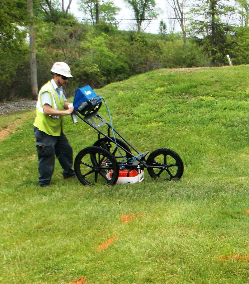 Ground Penetrating Radar (GPR) Methods:  Kodiak uses GPR to help identify buried pipes, tanks, vaults and multiple types of utility lines.  Fast, effective, non-instrusive and safe.