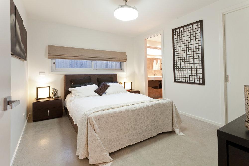 bedroom1-8aKingGeorges.jpg
