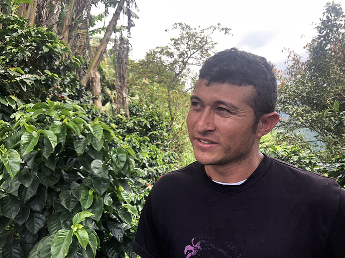 Emilio tells us that climate change has an effect on the crop. When the rain and drought periods are becoming heavier and more irregular, it is harder to farm coffee.