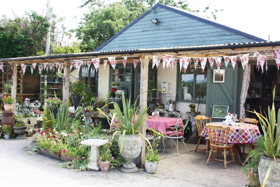 FroggAtts Tea rooms & vintage shop