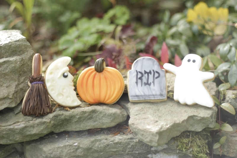 Lindy's halloween biscuits photo credit: Lindy's cakes