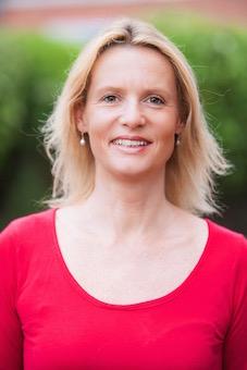 Author Tracey Baylis