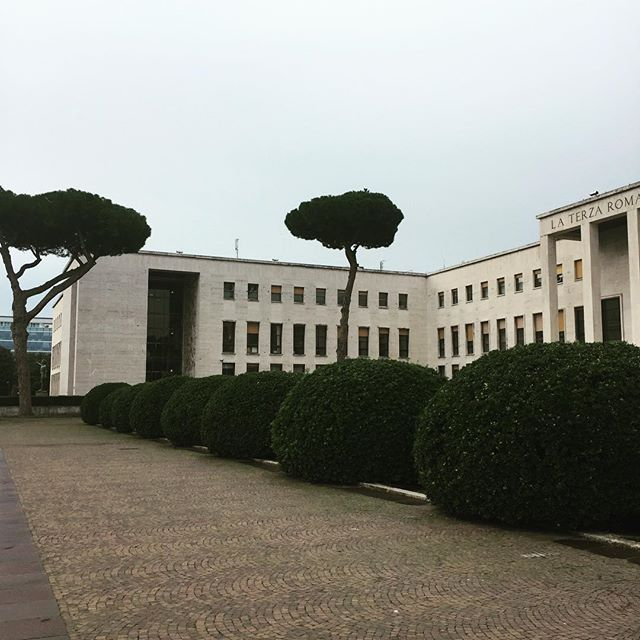 Friday Morning Art History Tour to the EUR Very interesting architecture from the rein of Mussolini. 🏢🏛🏢 #arthistory #architecture #risdehp #italy #rome