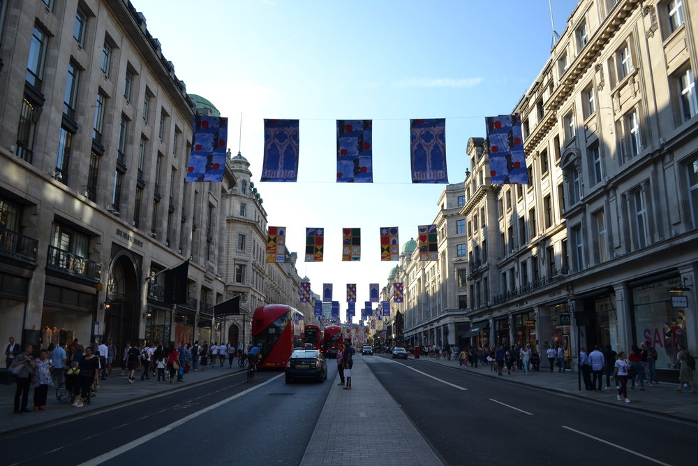 REGENT STREET - SHOPPING