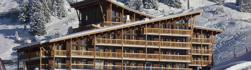 Résidence La Cime des Arcs  The 4-star apartments of the Residence La Cime des Arcs are ideally situated in the centre of the hugely popular Les Arcs 2000 ski resort. This enviable location means that every apartment is guaranteed to have stunning views of snow-covered Mont Blanc and the landscape of the Northern French Alps. Guests staying here will have easy access to the ski facilities of the resort, as the residence is conveniently placed at the foot of the ski slopes.