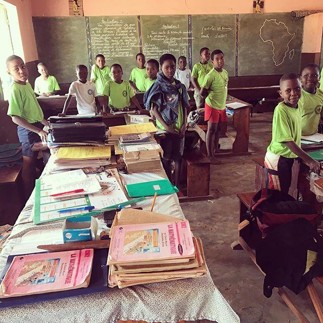 École Les Lys des Sœurs de Notre-Dame des Apôtres  Pays: Bénin 🇧🇯 #lavitrinederoncalli #lemondederoncalli