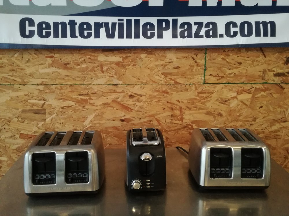 Commercial & Non-comm 4 Slice Stainless Steel Toasters $25 - Multiple stainless steel toasters available. Quickly keep up with breakfast orders with these. Easily and quickly makes bagels, bread, or biscuits nice and toasty!  Matching units available.