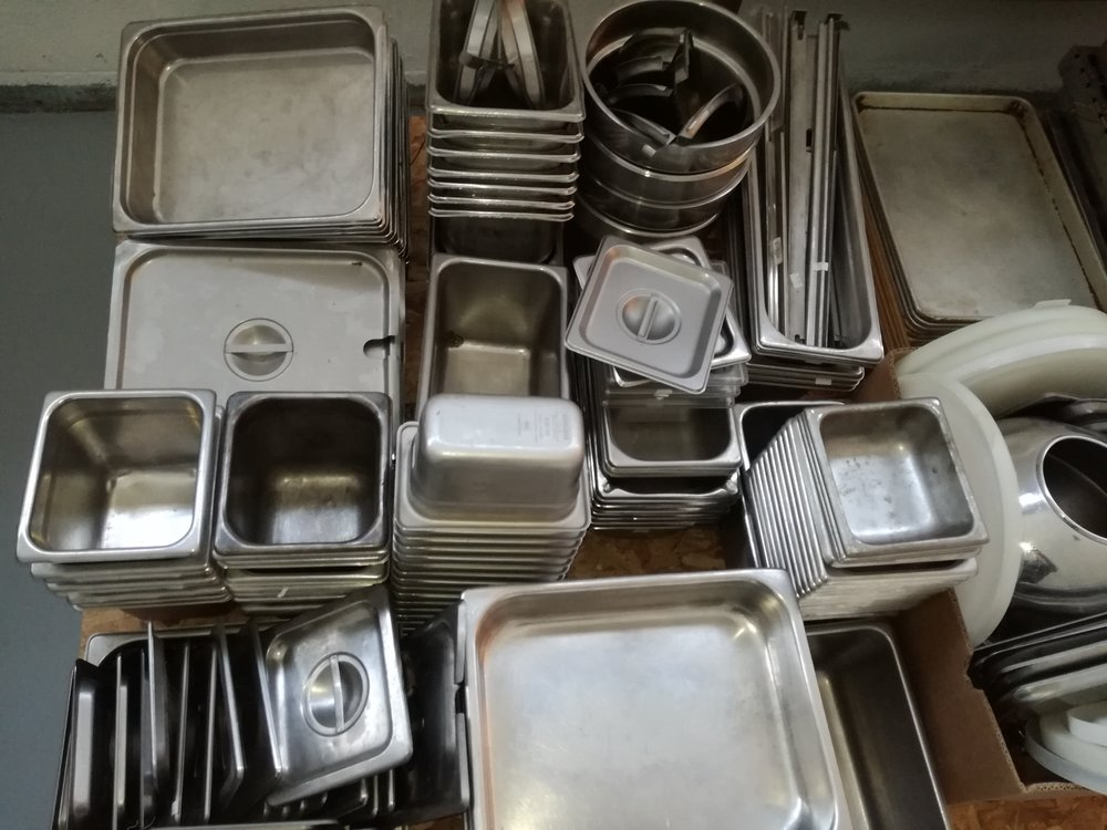 Stainless Steel Food Pans Restaurant Quality $5-$25 - Various sizes of Stainless Steel pans & Inserts in excellent clean condition.Multiple quantities available. Let us know what you need.1/2 size 2