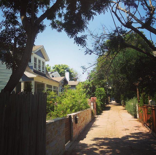 The street to the beach. #venicebeach #losangeles ❤️