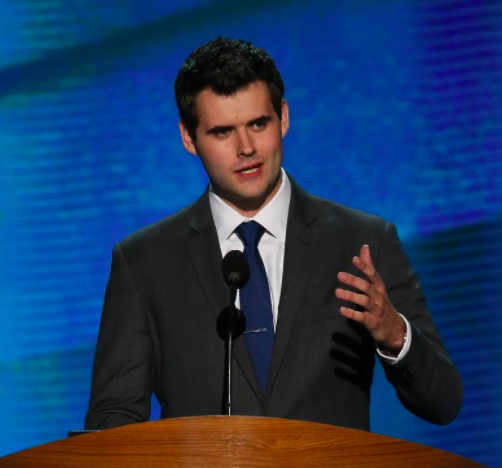 Man who defended gay marriage with viral speech about his two mothers is now running for Iowa State Senate -DailyNews