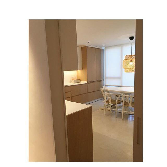 Cocina ♥️ #reforma #deco #interiorismo #interiores #wood #kitchendesign #cocinas #architecture #arquitectura #iluminacion #diseñodeinteriores #interiordesign #decoracioninteriores #proyectos
