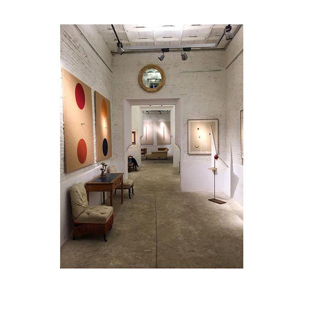 ❤️❤️ Maravillosa exposición  @galeriamercedesurquijo @eduardolalanne_art