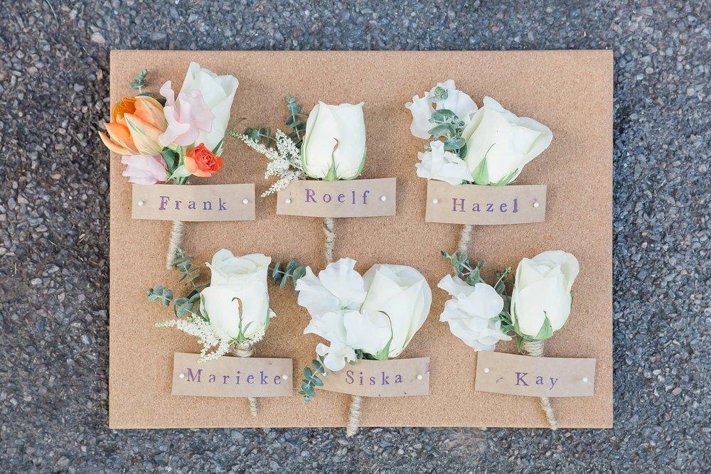 pretty-wedding-buttonholes.jpg