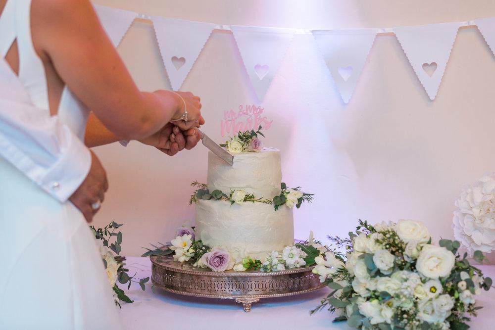 somerset wedding cake.jpg