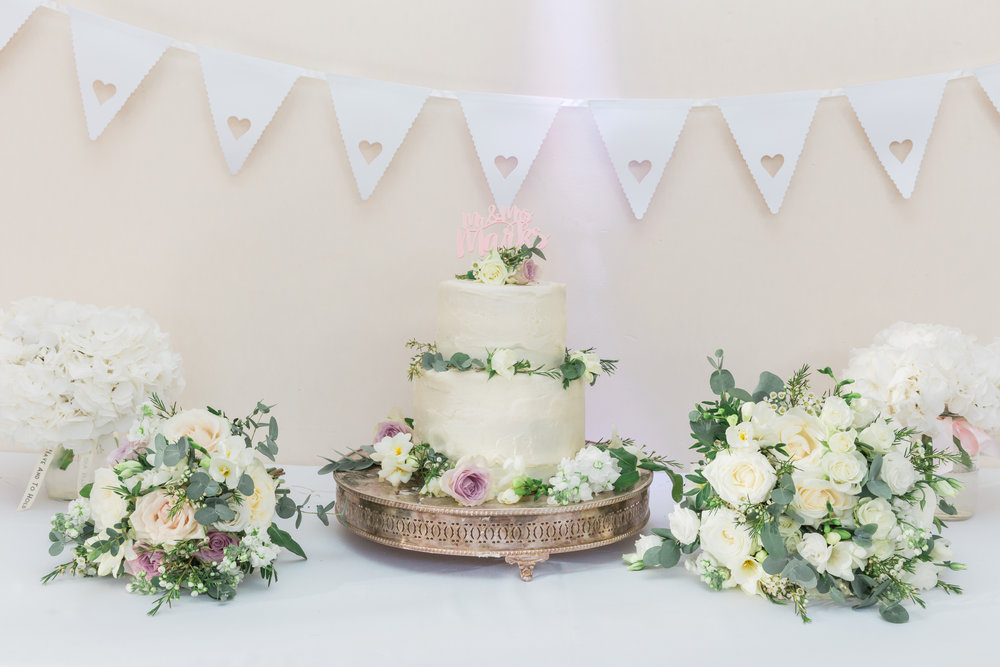 wedding cake orchardleigh estate.jpg