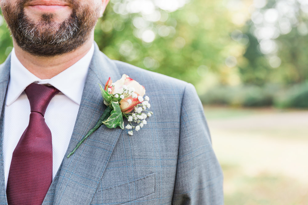 autumn wedding buttonhole.jpg