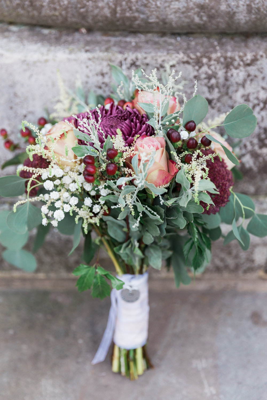 autumn berry wedding bouquet.jpg