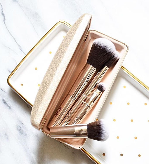jouer-luxe-brushes-copy.jpg