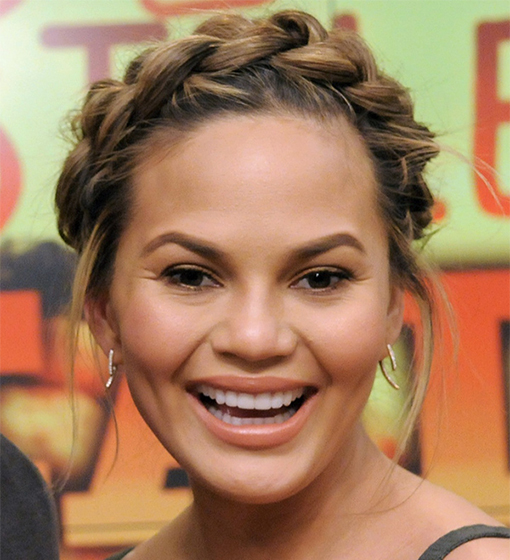 chrissy-teigen-braid