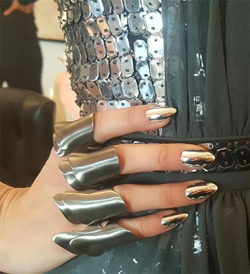 gigi-hadid-nails