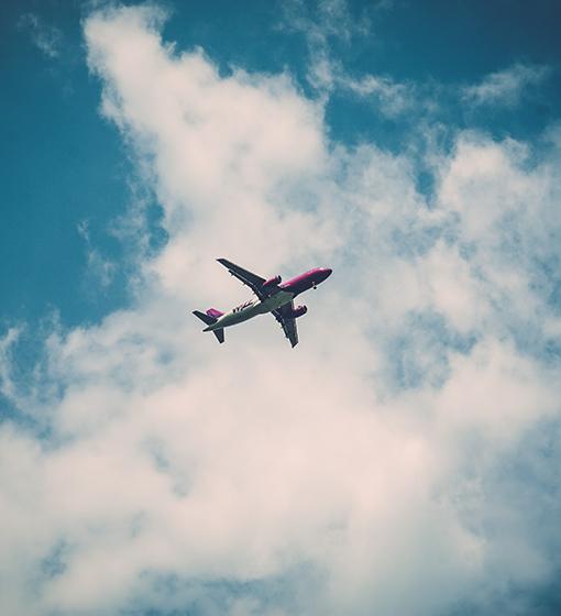 sunscreen-airplane
