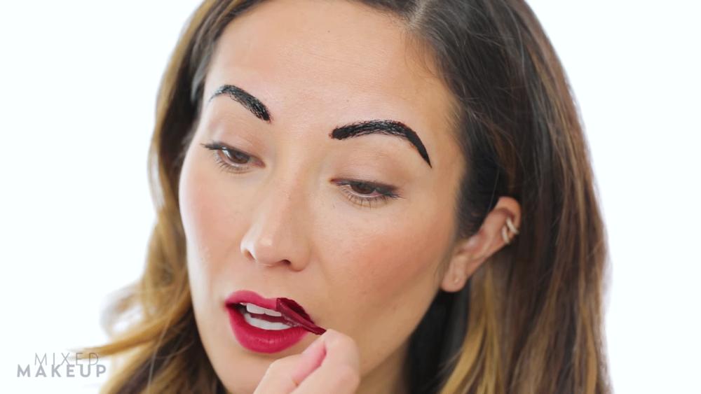 mixed-makeup-peel-off-makeup-brows-lips_2016_08.png