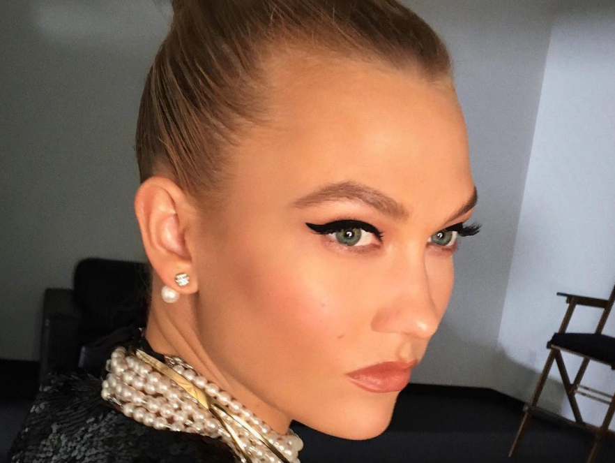 karlie-kloss-winged-eyeliner