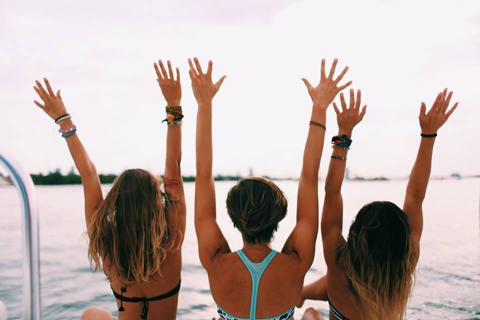 lululemon-beach-bikini-arms_2017_01.jpg