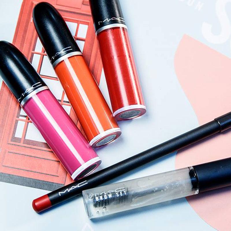 mac-cosmetics-lipsticks-lfw-800px_2017_03.jpg