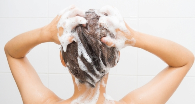 Reddit Loves This Dandruff Shampoo and Here's Why — Mixed Makeup