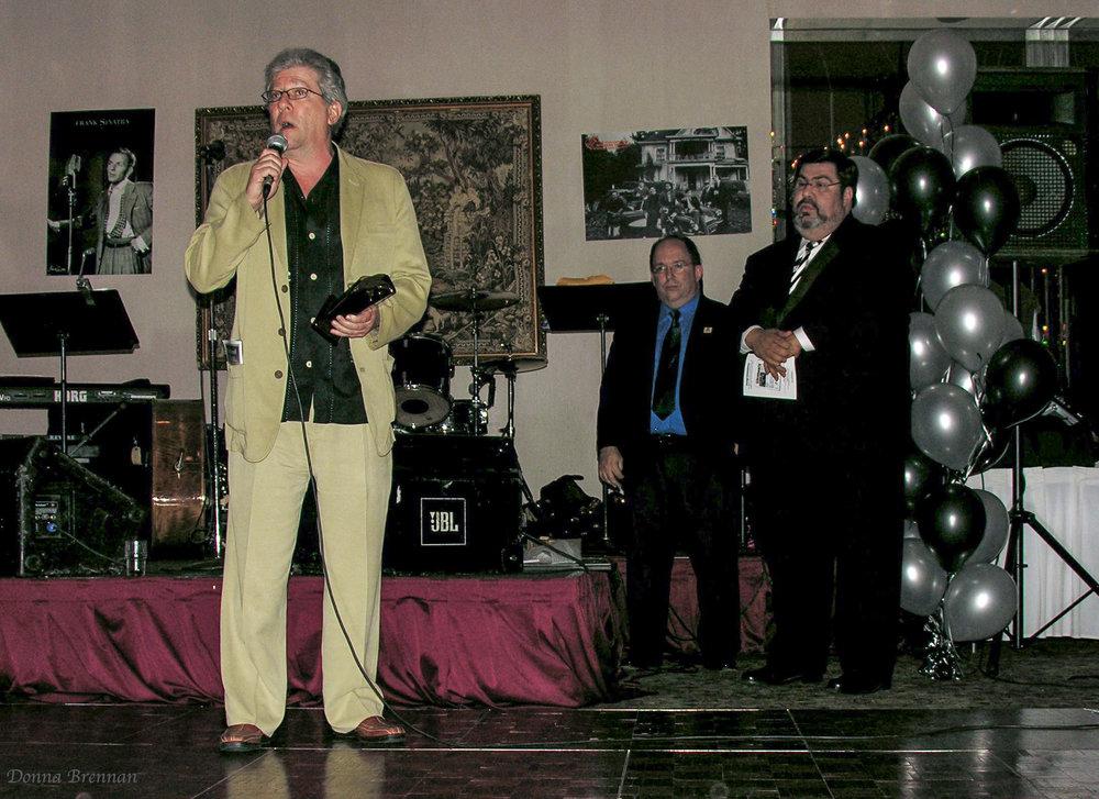 Peter Riegert Spkng w award in hand.jpg