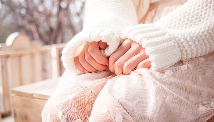 Mary Mahoney Therapy- challenges_to_reproduction- woman's hands.jpg