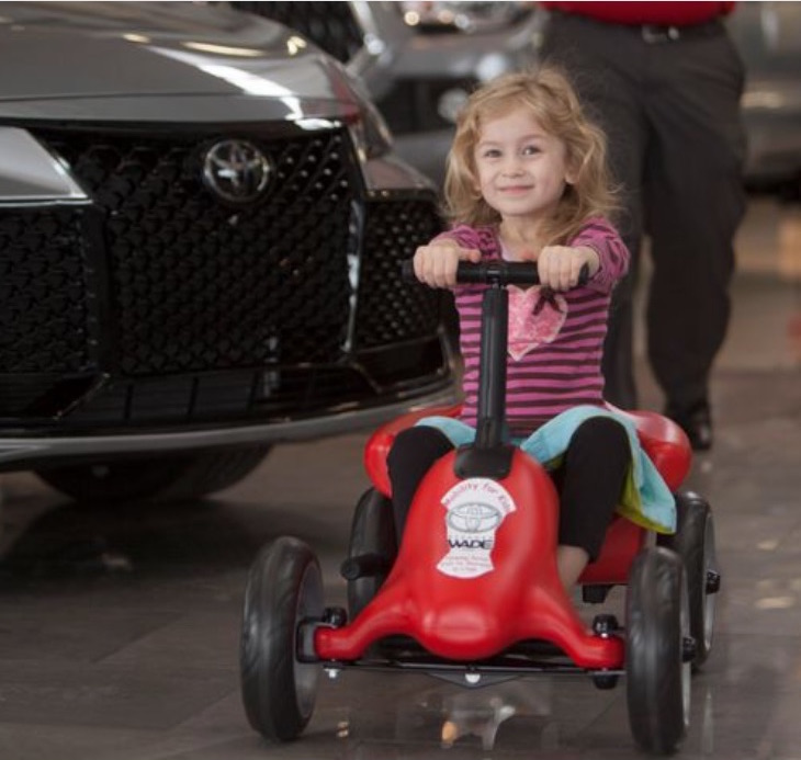 cute girl-pumper car-wade.jpg