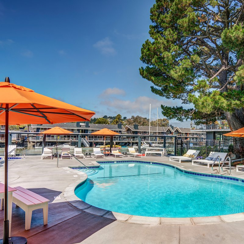 The Cove at Tiburon offer resort-style amenities including two outdoor, freshwater pools, an outdoor spa and fire pit lounge area.