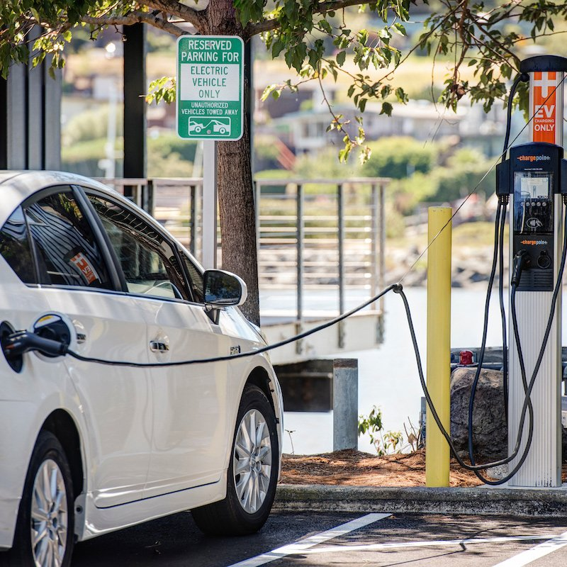 The Cove at Tiburon community offers onsite electric car charging stations.
