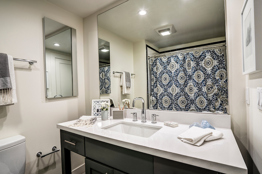 The Cove at Tiburon fully renovated apartment homes are designed with modern finishes and luxurious touches.
